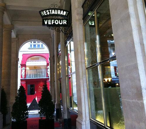 10 bons restaurantes perto do Louvre. Le Grand Véfour