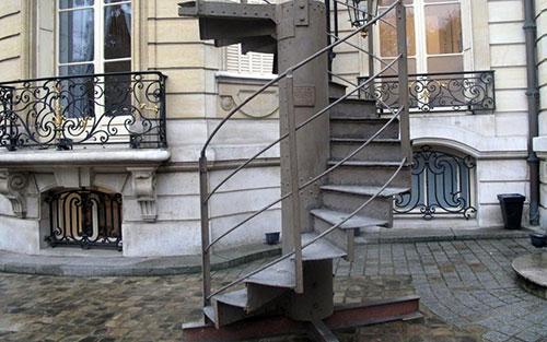 escada da torre Eiffel