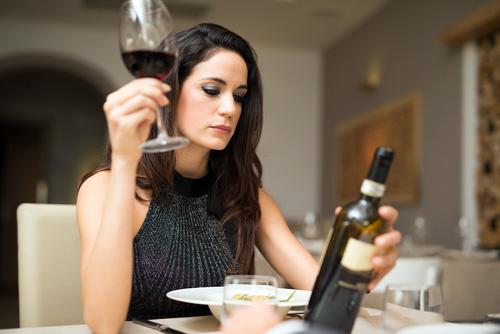 Os franceses gostam de vinho? Minerva Studio no Shutterstock