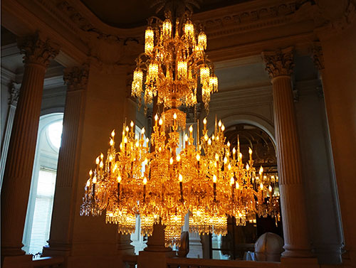 Museu Baccarat Paris. Lustre central