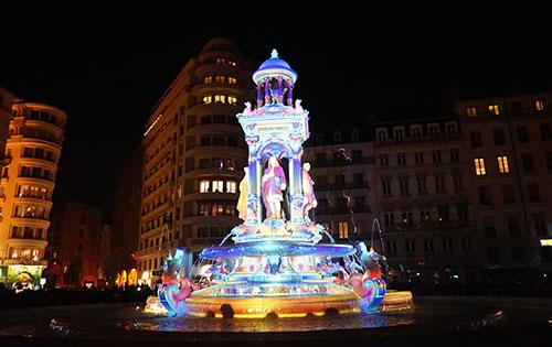 Lyon, Festa das Luzes, monumento iluminado