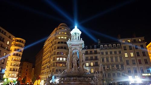 Lyon, monumento antes da festa