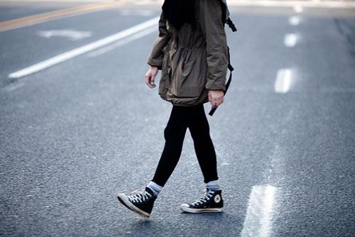 caminhar, flanar, manifestar