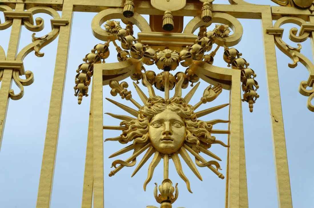 Detalhe do portão do Palácio de versalhes