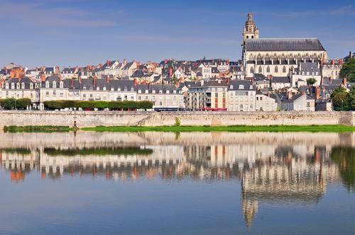 O que fazer no Vale do Loire? Conhecer a cidade histórica de Blois.