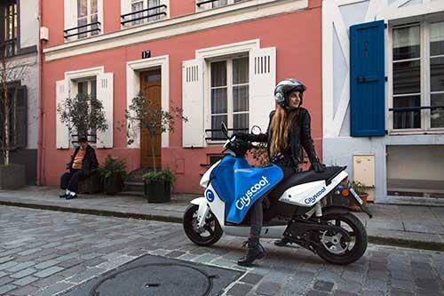 Alugue uma scooter em Paris
