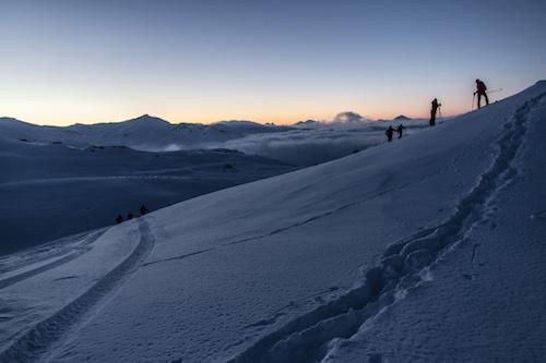 Em Val Thorens, há diversas opções de trilhas a pé para quem não quer esquiar. Foto: OT Val Thorens