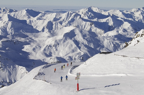 A estação de esqui de Val Thorens tem 150km de pistas, 98% delas acima de 2 mil metros de altitude.
