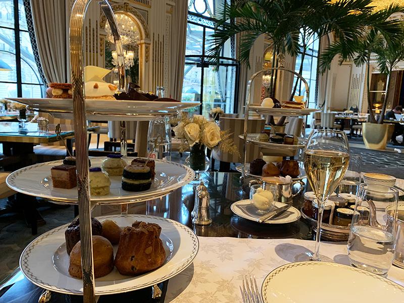 Chá da tarde Hotel Peninsula Paris