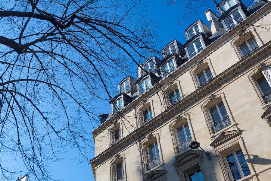 Os pequenos apartamentos costumam ocupar os últimos andares dos edifícios.