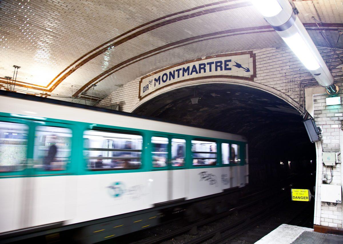 cartão de transporte do metrô parisiense
