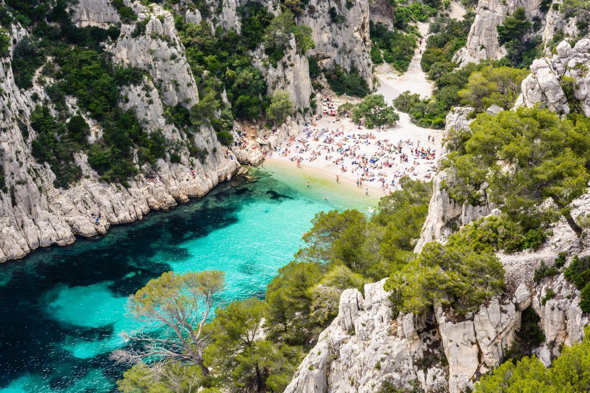 As calanques se extendem por cerca de 20 km no litoral da Provence.
