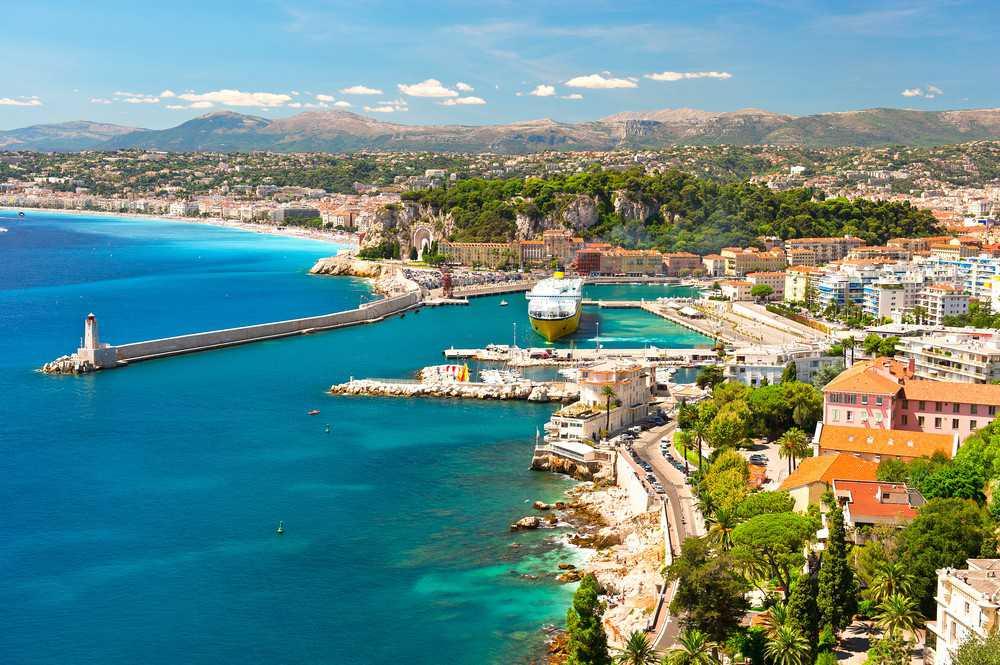 O que visitar na Côte d'Azur: Nice. Além de linda, a cidade é uma base perfeita para se conhecer toda a região.