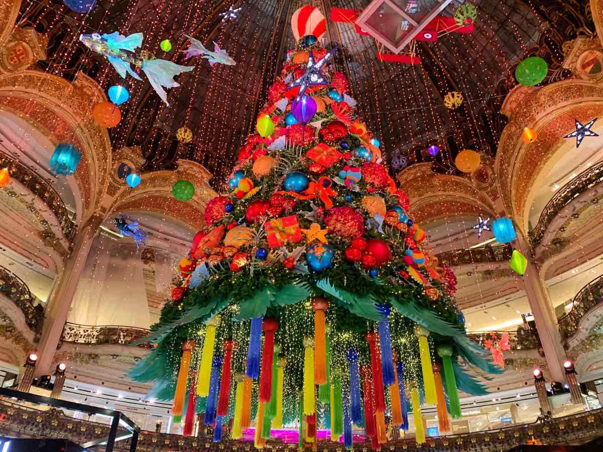 paris em dezembro arvore natal lafayette