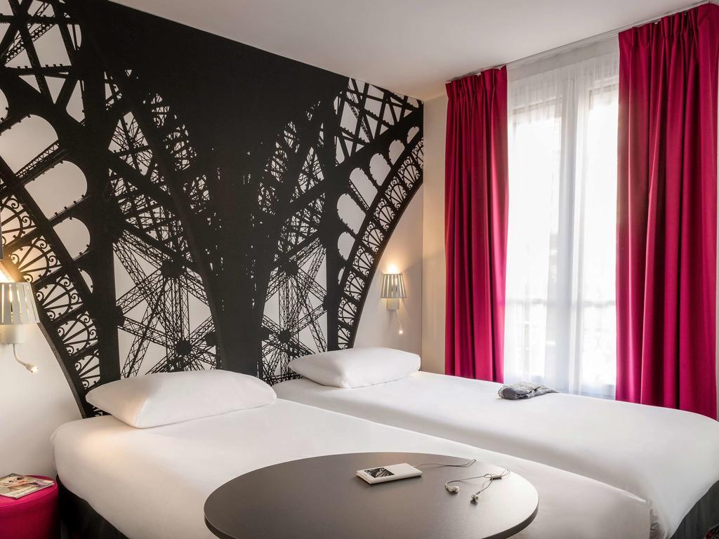 hoteis perto da Torre Eiffel ibis